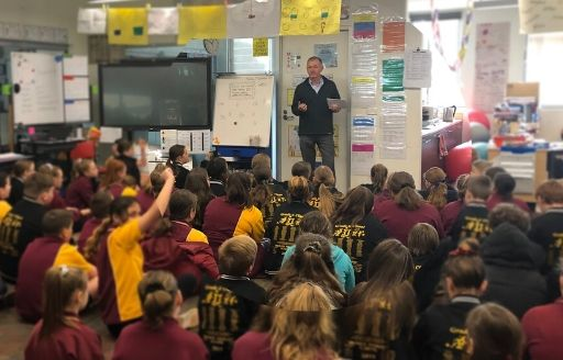 Andrew Tulloch, Vic gov, visits the students of Drouin Primary School.